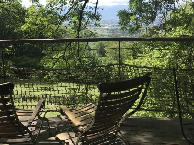 Terrasse de la cabane perchée au Salève