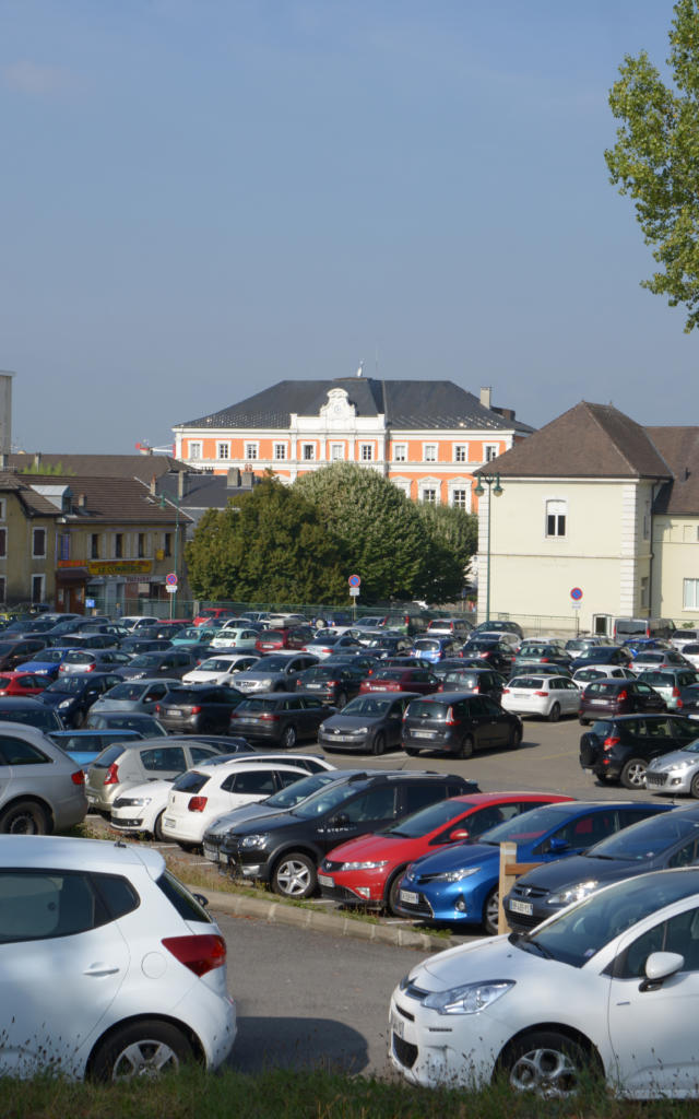 Parking Place Marche Saint Julien en Genevois