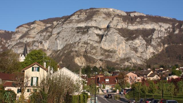 La vue sur le Salève depuis le centre de Collonges-sous-Salève